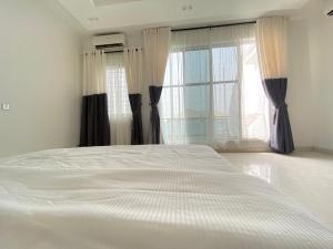 2 bedroom Penthouse Flat / Apartment for shortlet African lane Admiralty way lekki phase1  Lekki Phase 1 Lekki Lagos