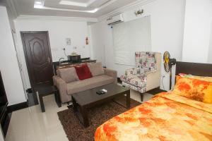 1 bedroom mini flat  Studio Apartment Flat / Apartment for shortlet Nike Art Gallery Road Lekki Phase 1 Lekki Lagos - 0