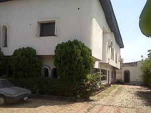 10 bedroom Detached Duplex House