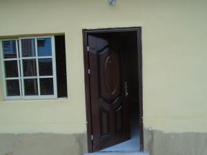 1 bedroom mini flat  Flat / Apartment for rent off ayetoro, Aguda Surulere Lagos