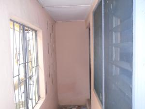 1 bedroom mini flat  Flat / Apartment for rent off adelabu Masha Surulere Lagos