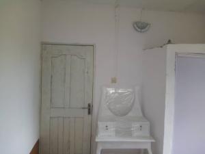1 bedroom mini flat  Flat / Apartment for rent Aguda off adetola street Surulere aguda Aguda Surulere Lagos