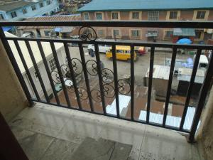 1 bedroom mini flat  Mini flat Flat / Apartment for rent close to lawanson bus stop Lawanson Surulere Lagos