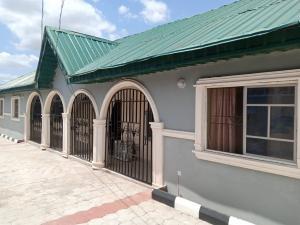3 bedroom Flat / Apartment for rent Kasumu estate off tipper garage Akala Express Ibadan Oyo