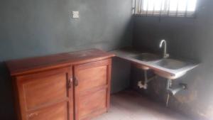 1 bedroom mini flat  Self Contain Flat / Apartment for rent Behind D Rovans Pure Water Factory Elebu Akala Express Ibadan Oyo