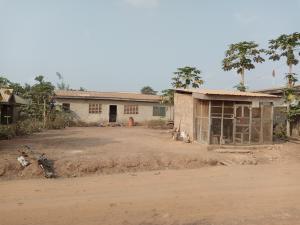 2 bedroom Detached Bungalow House for sale Hassan Street, Akuru, Elebu area Akala Express Ibadan Oyo