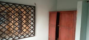 3 bedroom Blocks of Flats House for rent No 5 tipper area Ajadi ologuneru Ibadan north west Ibadan Oyo