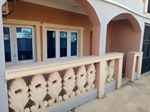 3 bedroom House for rent NO 5,Adeosun area off Ologuneru /awotan road Apete ibadan Ibadan polytechnic/ University of Ibadan Ibadan Oyo
