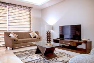 3 bedroom Blocks of Flats House for shortlet 1412 Ahmadu Bello Way Eko Atlantic Victoria Island Lagos