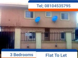 3 bedroom Blocks of Flats House for rent Saloon road Ihirihi, airport road  Oredo Edo