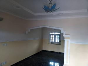 3 bedroom Blocks of Flats House for rent Giwa Amu Str, G.R.A Airport road benin city  Oredo Edo