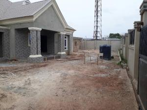 5 bedroom House for sale  alabameta area very close to main tiled road behinde katados filling-stations off osogbo Ikirun road, Olorunda L. G Osogbo osun state.  Olorunda Osun