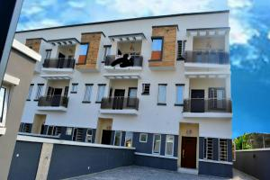 4 bedroom Boys Quarters Flat / Apartment for sale Thomas Estate  Abraham adesanya estate Ajah Lagos