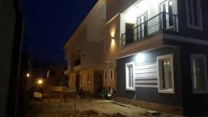 4 bedroom Terraced Duplex House for sale - Ajao Estate Isolo Lagos