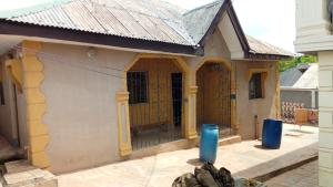 3 bedroom Penthouse Flat / Apartment for rent Iludun Phase 1 Bus/Stop Off Ilogbo Road  Joju Ado Odo/Ota Ogun
