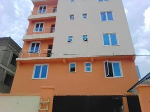 3 bedroom Flat / Apartment for sale moleye st Alagomeji Yaba Lagos