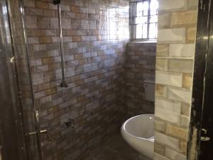 2 bedroom Flat / Apartment for rent Bailey  Abule-Ijesha Yaba Lagos