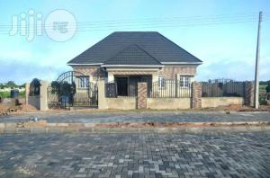 3 bedroom Detached Bungalow House for sale shimawa behind redeem camp close to new auditorium Mowe Obafemi Owode Ogun