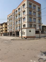 3 bedroom Blocks of Flats House for rent Adekunle Yaba Lagos