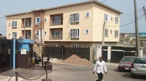 3 bedroom Self Contain Flat / Apartment for rent Mende Maryland Lagos