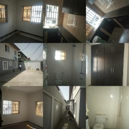 3 bedroom Blocks of Flats House for rent Ogunlana Surulere Lagos