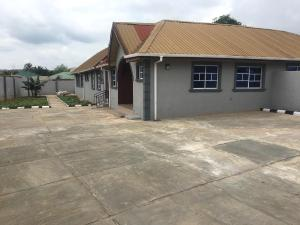3 bedroom Flat / Apartment for sale Akingbile Area, close proximity to International Institute of Tropical Agriculture (IITA) headquarters Moniya Ibadan Oyo