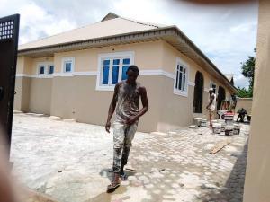 3 bedroom Blocks of Flats House for rent No 27,Ologuneru bus stop Ologuneru ibadan Ibadan north west Ibadan Oyo