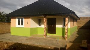 3 bedroom Detached Bungalow House for sale isebo olosan road Alakia Ibadan Oyo