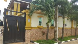 3 bedroom Shared Apartment Flat / Apartment for rent ola kunle Drive Isheri North Ojodu Lagos