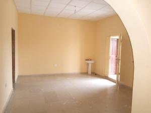 3 bedroom Blocks of Flats House for rent Idigbaro Ologuneru Eleyele Ibadan Oyo