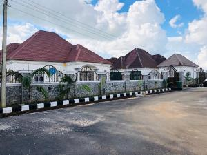 3 bedroom Detached Bungalow House for rent Hossana Estate Lugbe Abuja