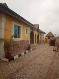 3 bedroom Blocks of Flats House for rent Sheu Area Ologuneru Off Eleyele area Ibadan. Eleyele Ibadan Oyo