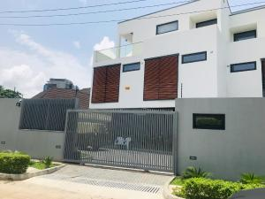 4 bedroom Semi Detached Duplex House for sale Glover  Bourdillon Ikoyi Lagos