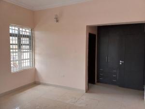 4 bedroom Flat / Apartment for rent Along nnpc road Guzape Abuja