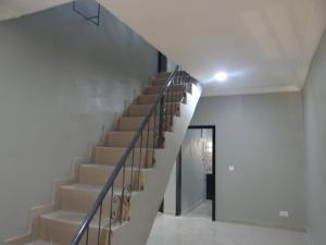 4 bedroom Semi Detached Duplex House for rent Off Iwaya Road. Onike Yaba Lagos