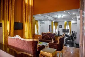 4 bedroom Commercial Property for shortlet Lekki Lekki Phase 1 Lekki Lagos