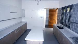 5 bedroom Detached Duplex House for sale Off road 12 Lekki Phase 1 Lekki Lagos