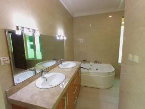5 bedroom Semi Detached Duplex House for rent Banana Island Ikoyi Lagos