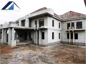 9 bedroom House
