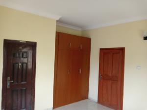 3 bedroom Blocks of Flats House for rent Adebiyi st, alagomeji, sabo Alagomeji Yaba Lagos