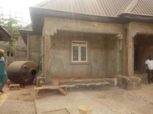 6 bedroom House for sale Near school of midwifery Oshimili Delta