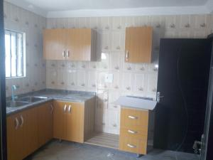 3 bedroom Studio Apartment Flat / Apartment for rent Irewole Estate,Kuola area Akala Express Ibadan Oyo