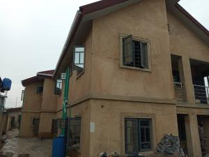 2 bedroom Flat / Apartment for rent Akinhanmi street Surulere Lagos