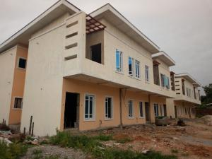 4 bedroom House for sale Tinubu close  Bye pass Ilupeju Ilupeju Lagos