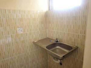 1 bedroom mini flat  Self Contain Flat / Apartment for rent Aduloju, Ojoo Express Road  Bodija Ibadan Oyo