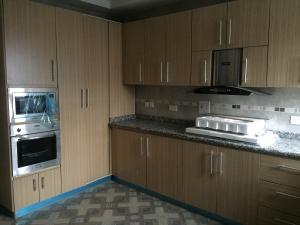 3 bedroom Flat / Apartment for rent Adegunwa  Alagomeji Yaba Lagos