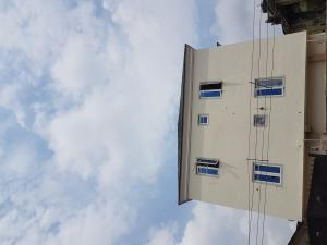 2 bedroom Shared Apartment Flat / Apartment for rent bola shodipe street off adelabu street  Adelabu Surulere Lagos