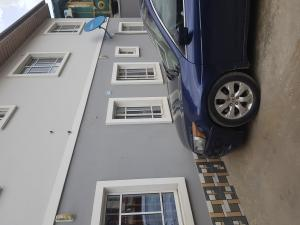 3 bedroom Shared Apartment Flat / Apartment for rent Off ogunlana  drive 4minutes drive to ogunlana drive Ogunlana Surulere Lagos