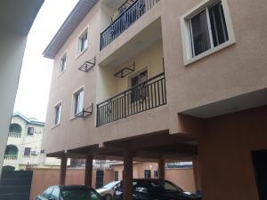 3 bedroom Shared Apartment Flat / Apartment for rent Robin street axis Adekunle Yaba Lagos