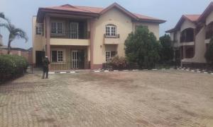3 bedroom Flat / Apartment for rent ayonussi estate off sabo Ikorodu Ikorodu Lagos